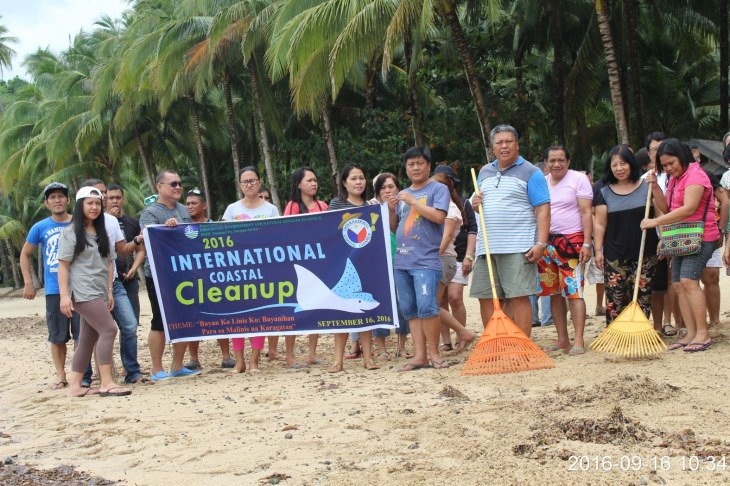 international-coastal-cleanup-201620_1575x1050